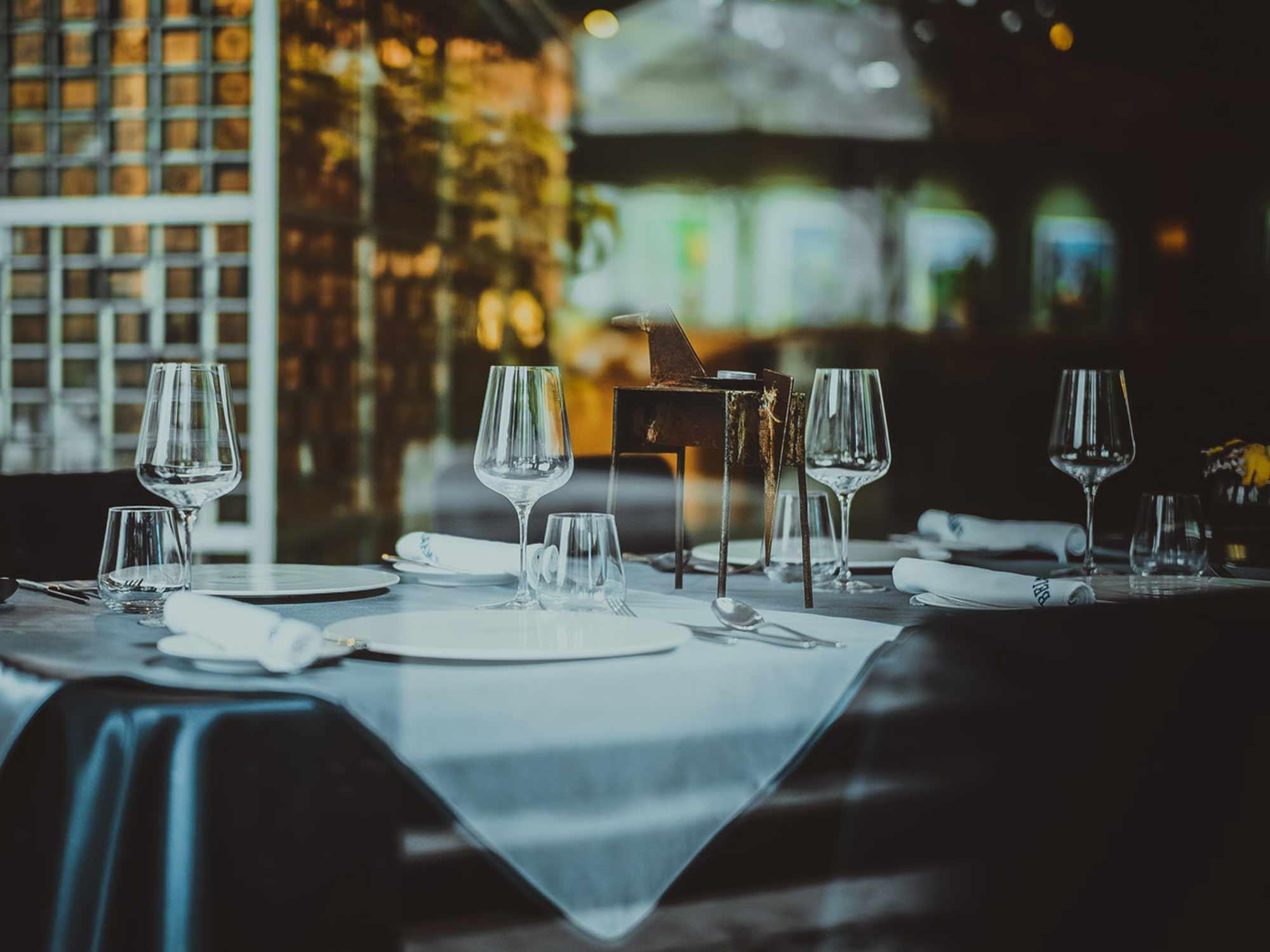 Hotel och restaurang